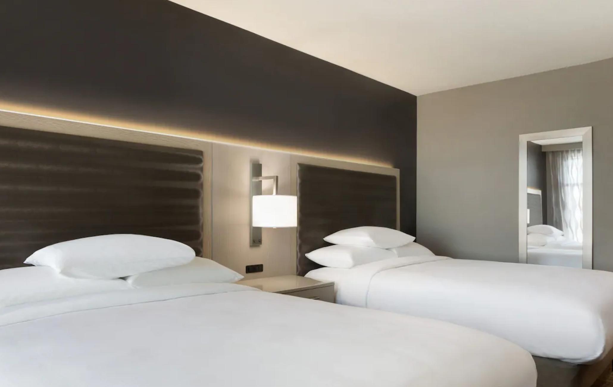 https://www.hotelsbyday.com/_data/default-hotel_image/3/18214/screenshot-2020-06-11-at-4-36-33-pm.png