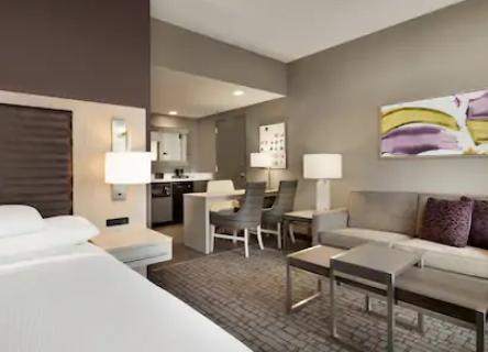 https://www.hotelsbyday.com/_data/default-hotel_image/3/18221/screenshot-2020-06-11-at-4-39-54-pm.png