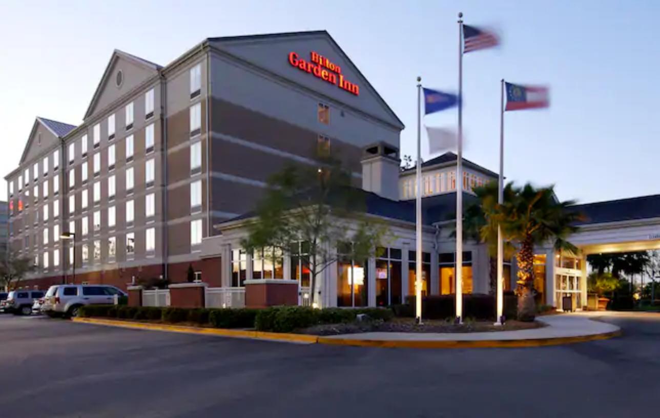https://www.hotelsbyday.com/_data/default-hotel_image/3/18254/screenshot-2020-06-11-at-5-21-22-pm.png