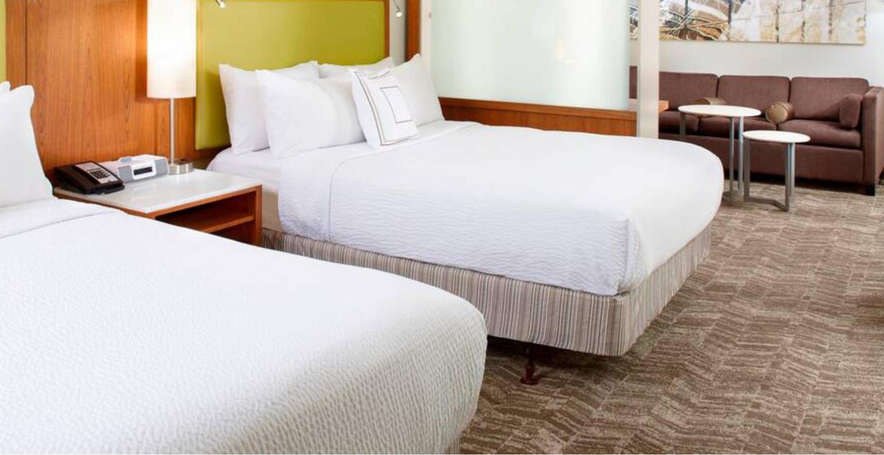 https://www.hotelsbyday.com/_data/default-hotel_image/3/18332/screenshot-2020-06-12-at-12-53-17-pm.png