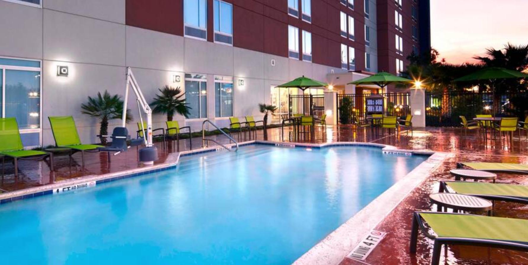 https://www.hotelsbyday.com/_data/default-hotel_image/3/18334/screenshot-2020-06-12-at-12-53-28-pm.png