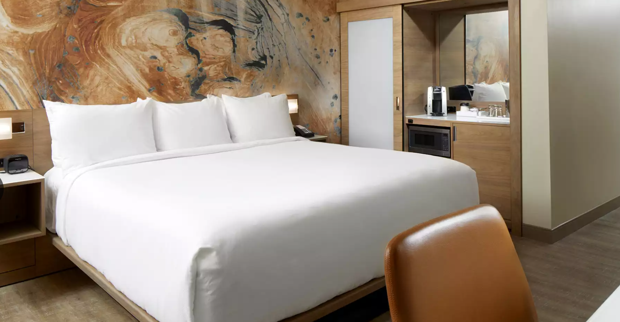 https://www.hotelsbyday.com/_data/default-hotel_image/3/18403/screenshot-2020-06-12-at-3-26-04-pm.png