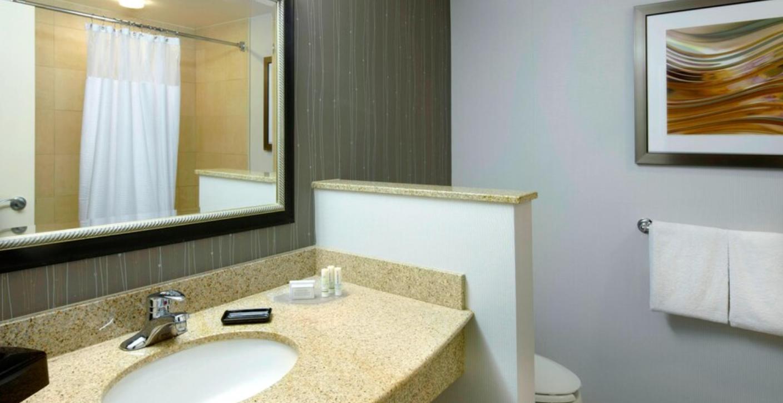 https://www.hotelsbyday.com/_data/default-hotel_image/3/18455/screenshot-2020-06-12-at-4-17-34-pm.png