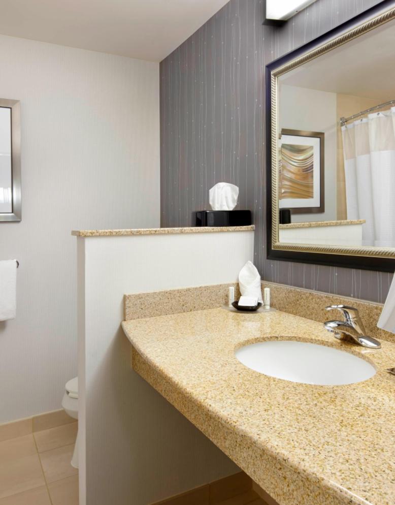 https://www.hotelsbyday.com/_data/default-hotel_image/3/18487/screenshot-2020-06-12-at-4-47-39-pm.png