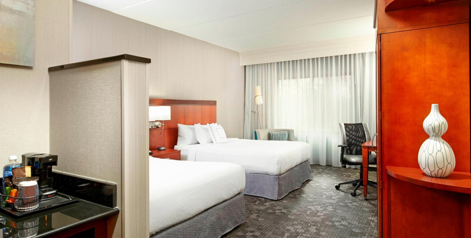 https://www.hotelsbyday.com/_data/default-hotel_image/3/18490/screenshot-2020-06-12-at-4-47-19-pm.png