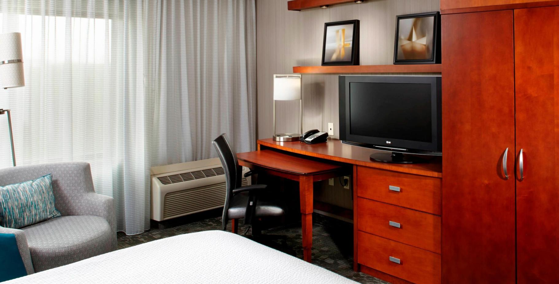 https://www.hotelsbyday.com/_data/default-hotel_image/3/18492/screenshot-2020-06-12-at-4-47-29-pm.png