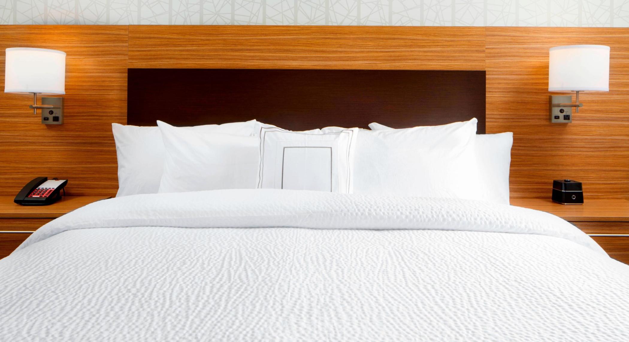 https://www.hotelsbyday.com/_data/default-hotel_image/3/18602/screenshot-2020-06-13-at-11-45-30-am.png