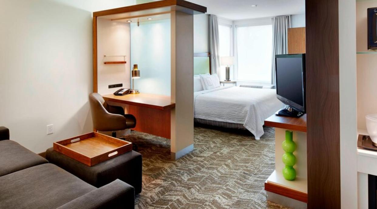 https://www.hotelsbyday.com/_data/default-hotel_image/3/18617/screenshot-2020-06-13-at-12-00-34-pm.png