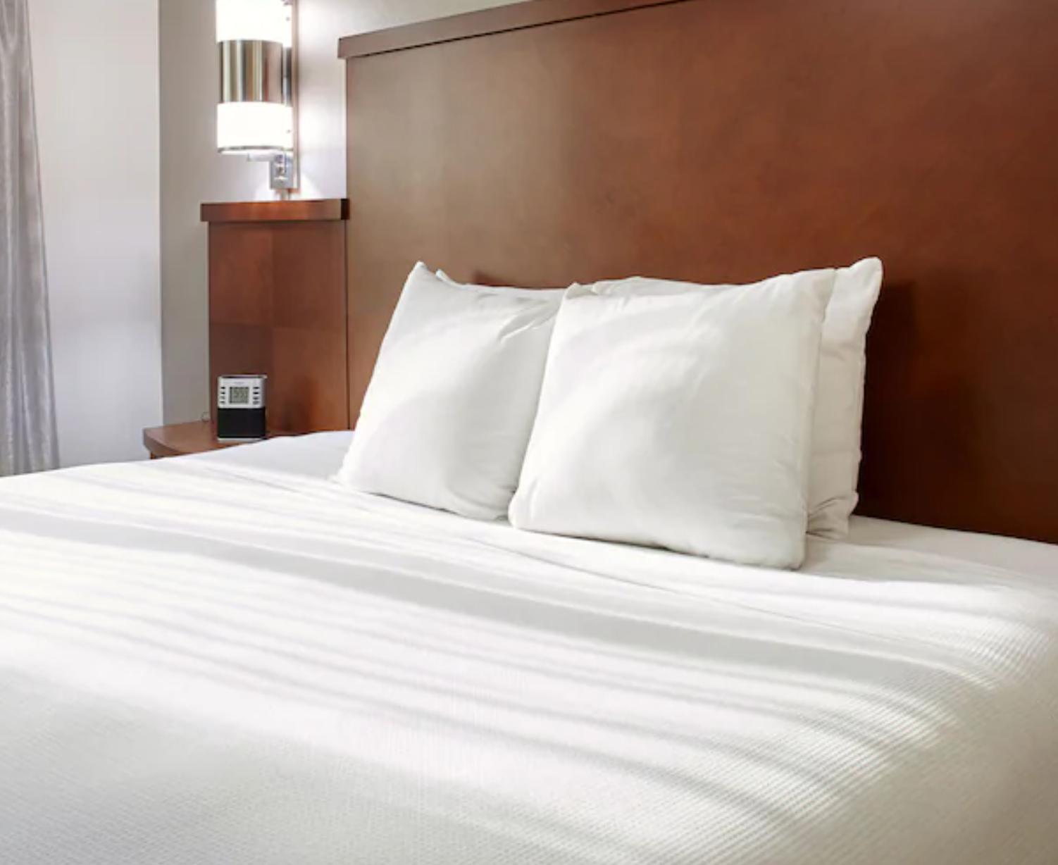 https://www.hotelsbyday.com/_data/default-hotel_image/3/18644/screenshot-2020-06-13-at-12-23-14-pm.png