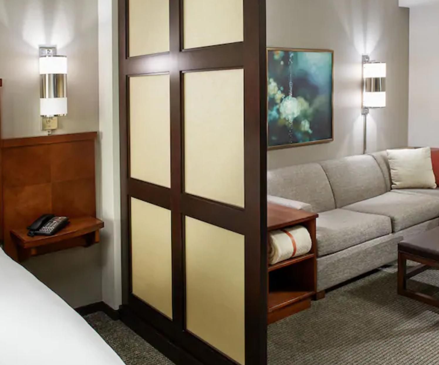 https://www.hotelsbyday.com/_data/default-hotel_image/3/18650/screenshot-2020-06-13-at-12-23-52-pm.png