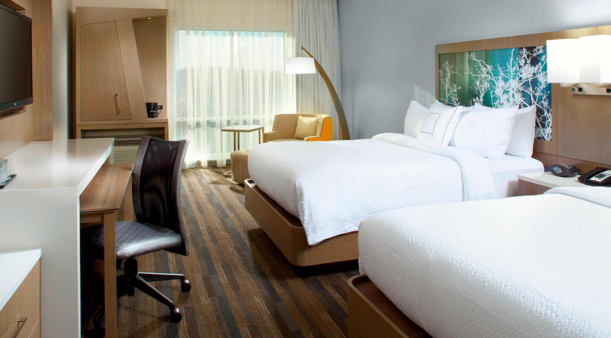 https://www.hotelsbyday.com/_data/default-hotel_image/3/18696/screenshot-2020-06-13-at-7-32-56-pm.png