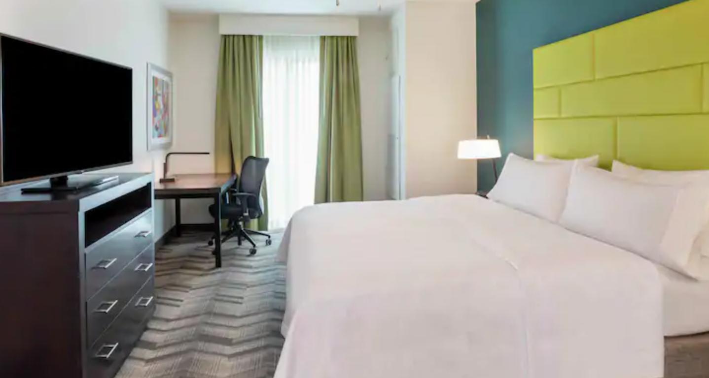 https://www.hotelsbyday.com/_data/default-hotel_image/3/18731/screenshot-2020-06-14-at-7-01-54-am.png