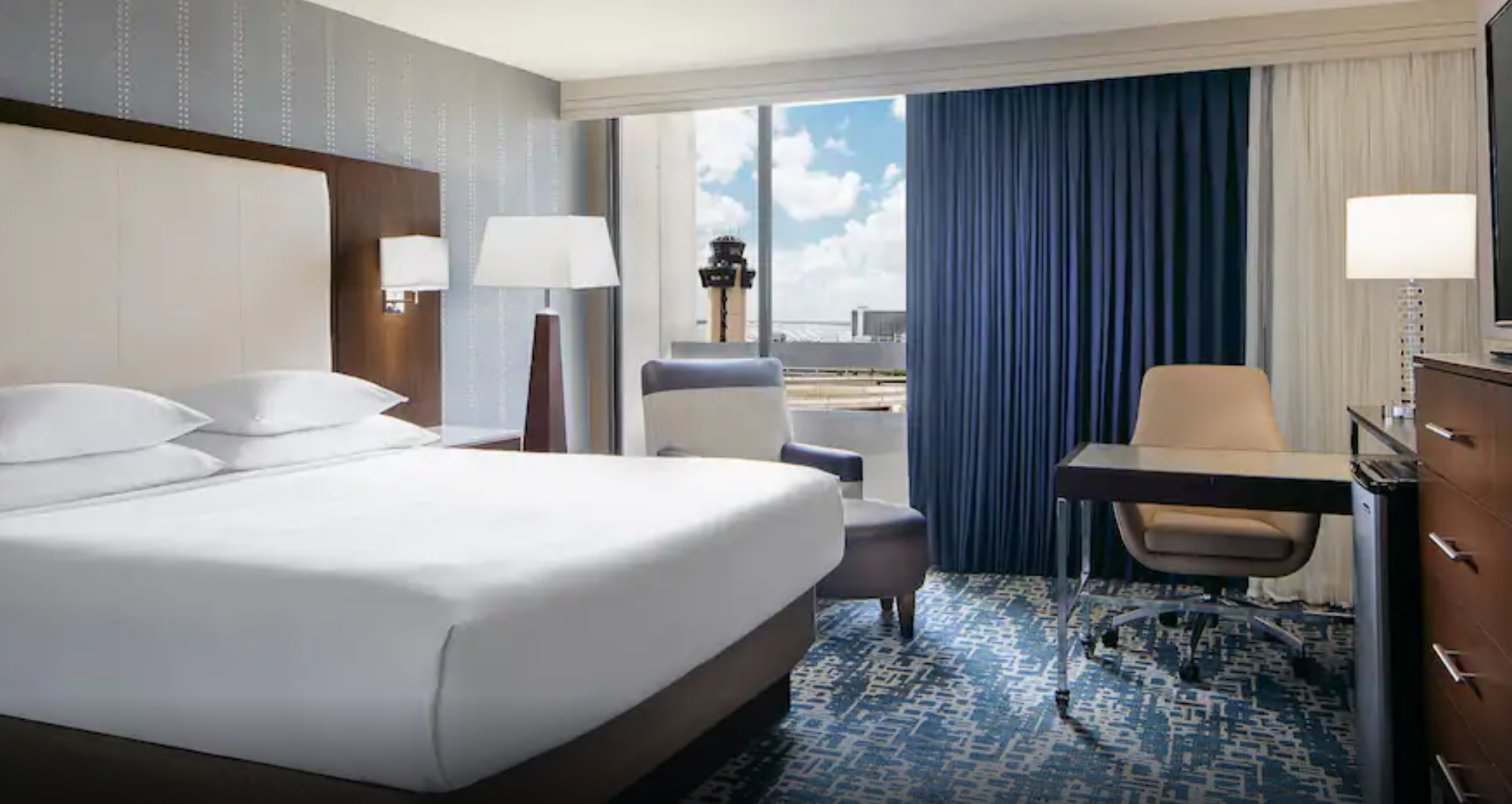 https://www.hotelsbyday.com/_data/default-hotel_image/3/18797/screenshot-2020-06-14-at-8-10-26-am.png