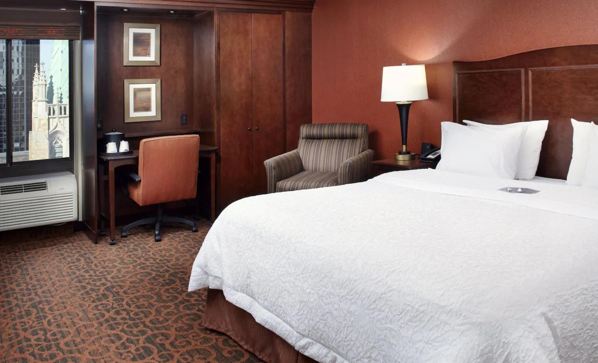 https://www.hotelsbyday.com/_data/default-hotel_image/3/18852/screenshot-2020-06-15-at-1-11-16-pm.png