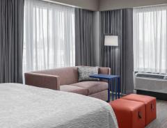 Hotel Hampton Inn Boston Woburn image