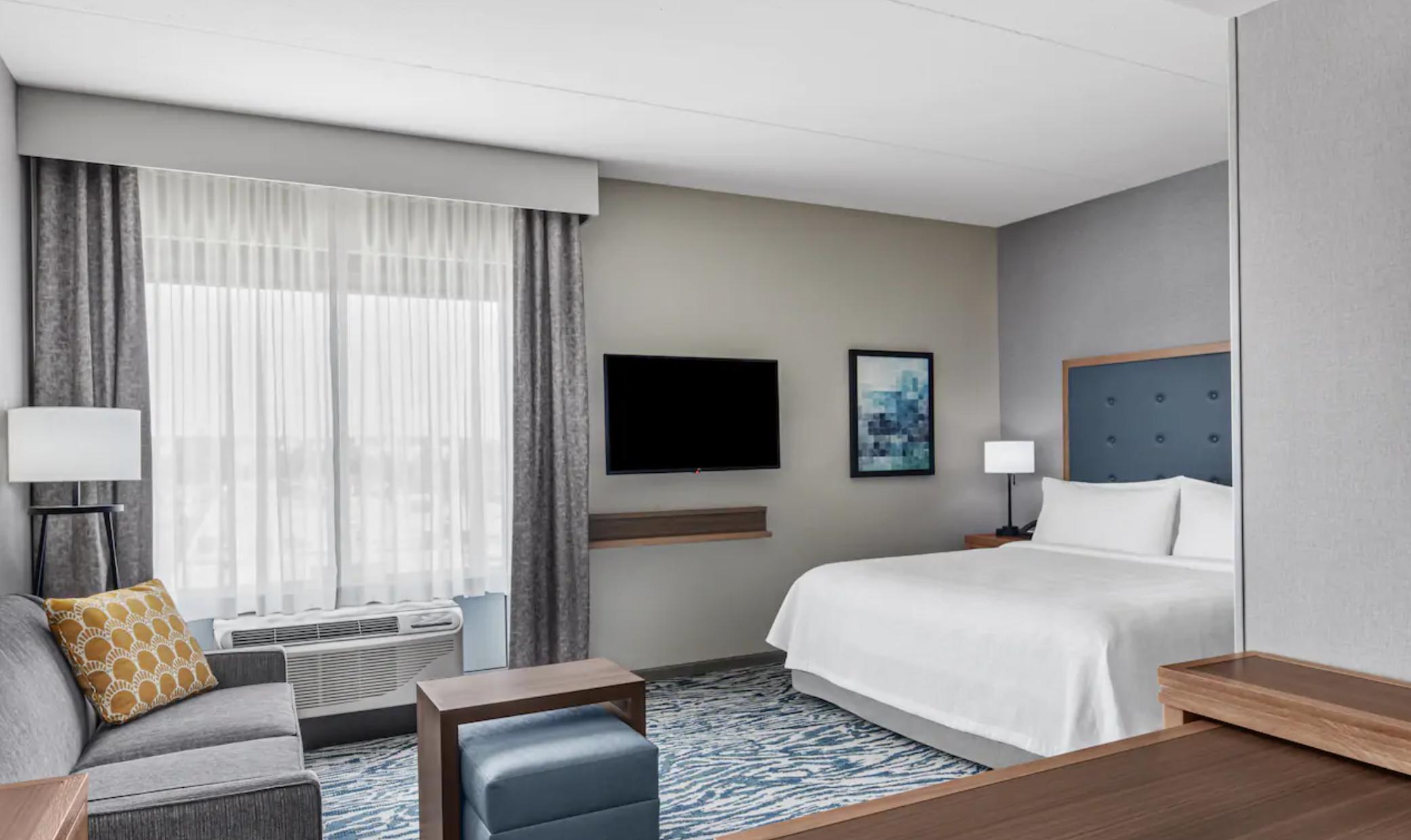 https://www.hotelsbyday.com/_data/default-hotel_image/3/18968/screenshot-2020-06-19-at-4-05-35-pm.png