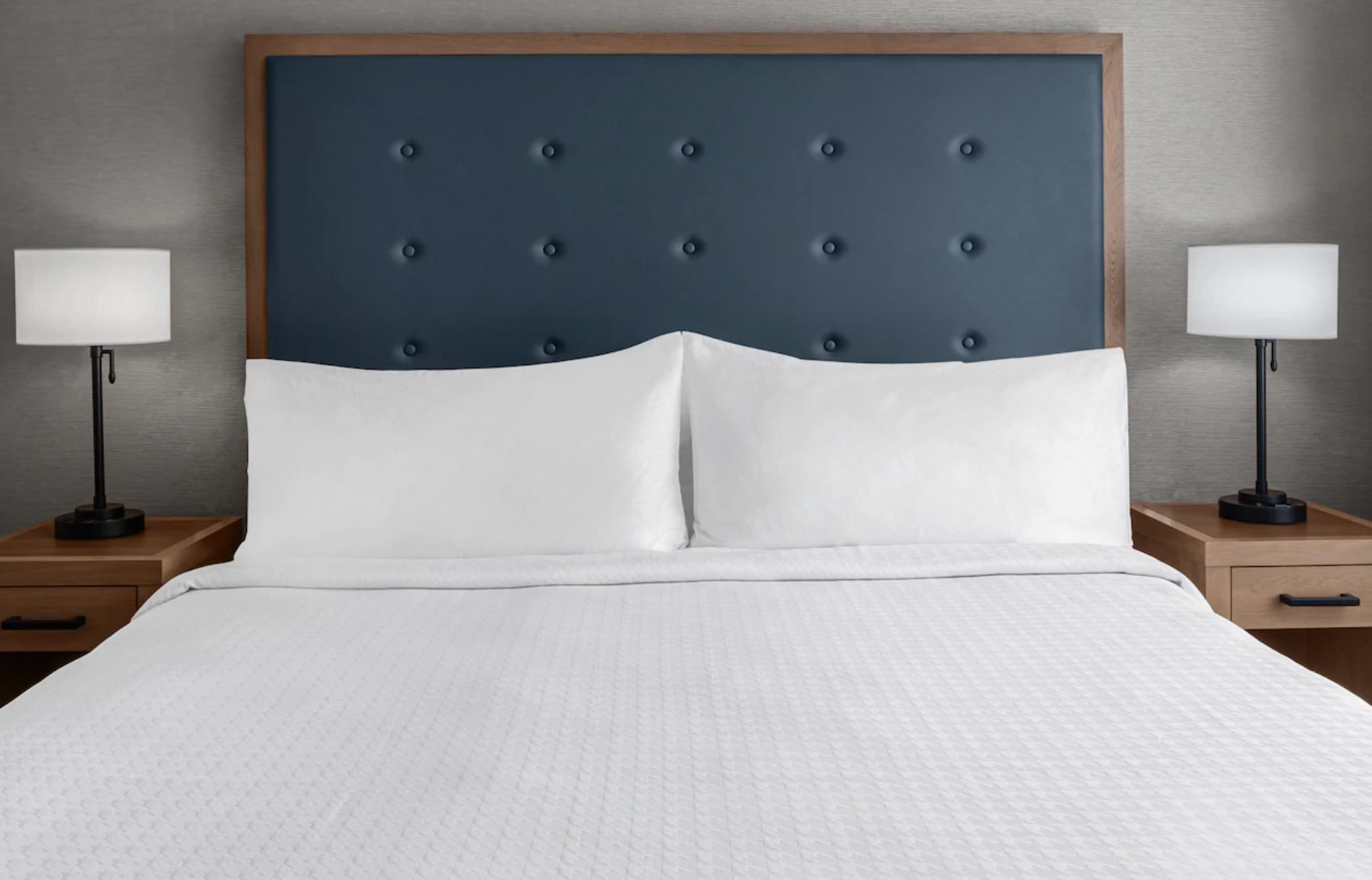 https://www.hotelsbyday.com/_data/default-hotel_image/3/18971/screenshot-2020-06-19-at-4-05-54-pm.png