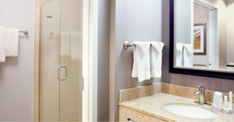 https://www.hotelsbyday.com/_data/default-hotel_image/3/18981/screenshot-2020-06-19-at-4-20-07-pm.png