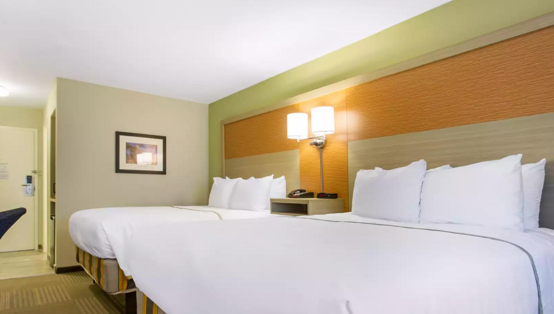 https://www.hotelsbyday.com/_data/default-hotel_image/3/19082/screenshot-2020-06-23-at-2-55-05-pm.png