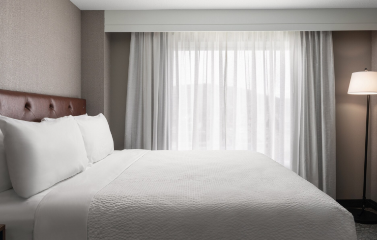 Four Points By Sheraton Hotel & Suites San Francisco Airport, South San Francisco