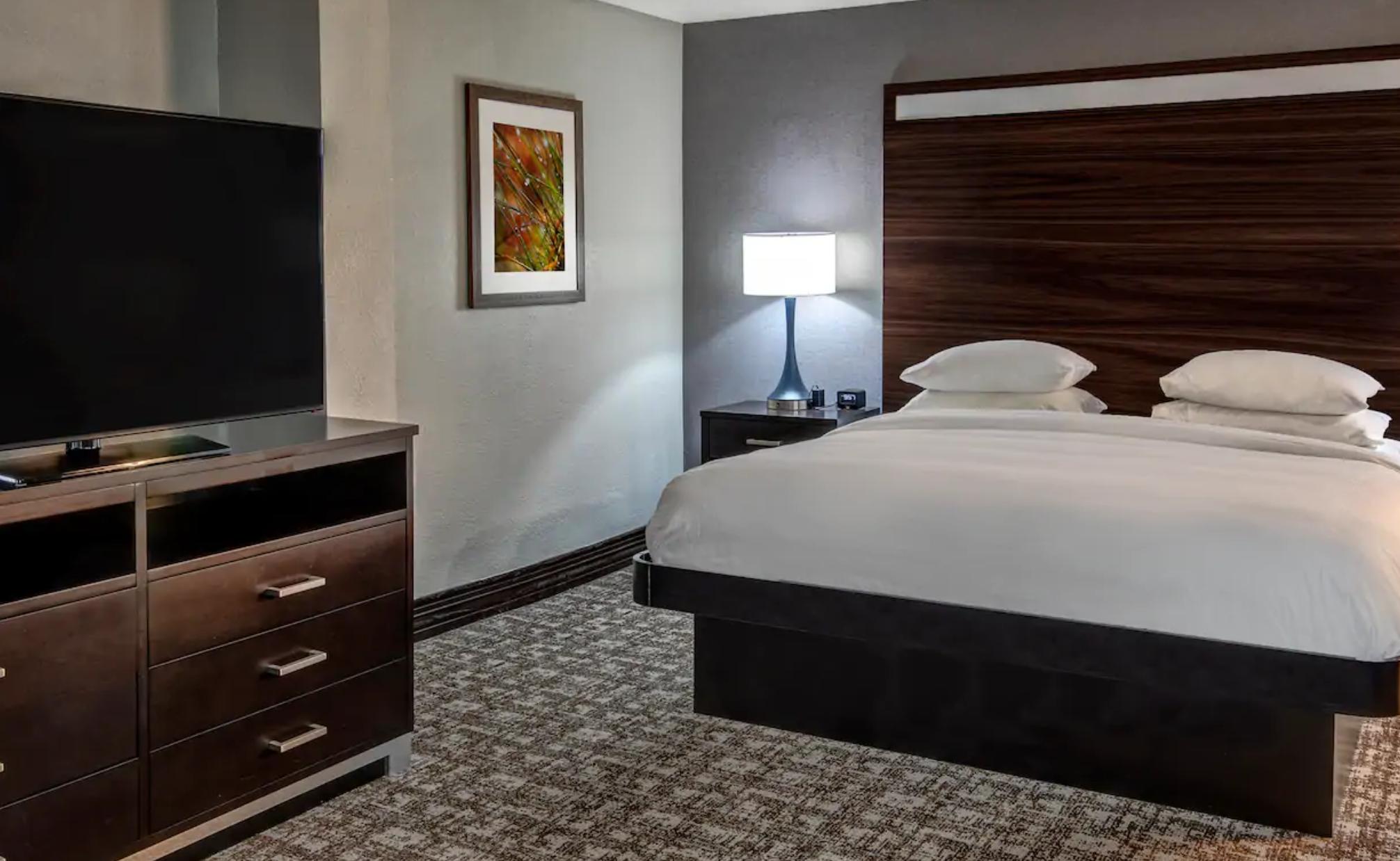 https://www.hotelsbyday.com/_data/default-hotel_image/3/19324/screenshot-2020-07-02-at-3-43-57-pm.png