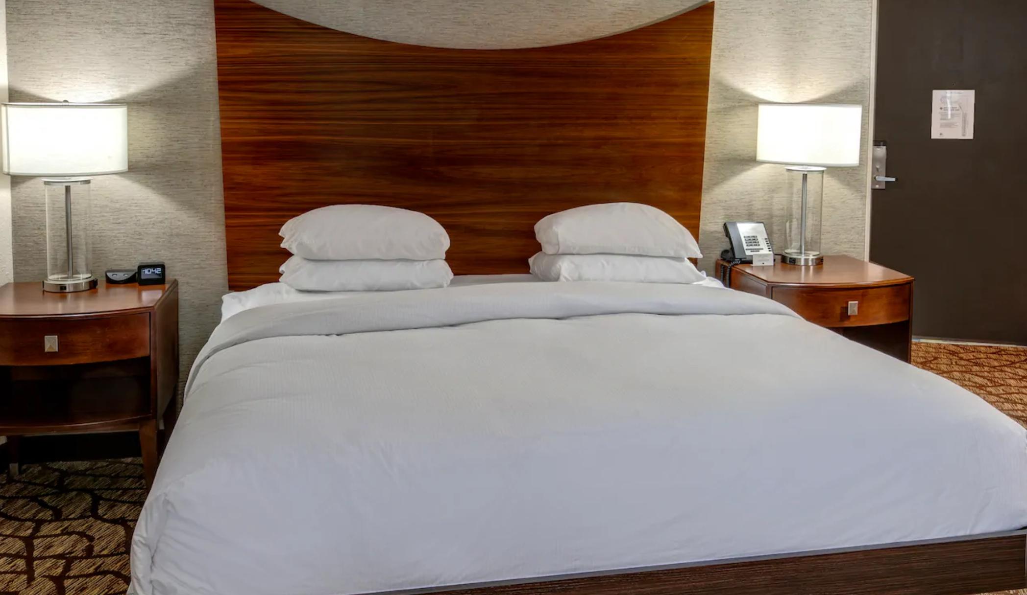 https://www.hotelsbyday.com/_data/default-hotel_image/3/19326/screenshot-2020-07-02-at-3-42-46-pm.png