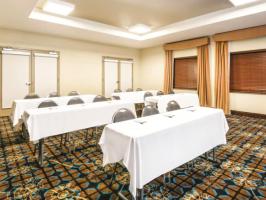 Hotel La Quinta Inn & Suites - Stone Oak image