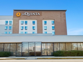 Hotel La Quinta Inn & Suites By Wyndham DC Metro Capital Beltway image