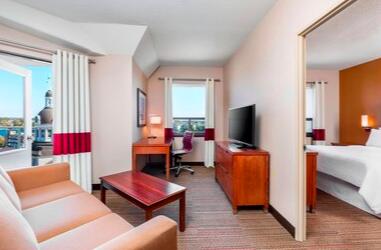 https://www.hotelsbyday.com/_data/default-hotel_image/3/19644/screen-shot-2020-07-22-at-12-30-02-pm.png