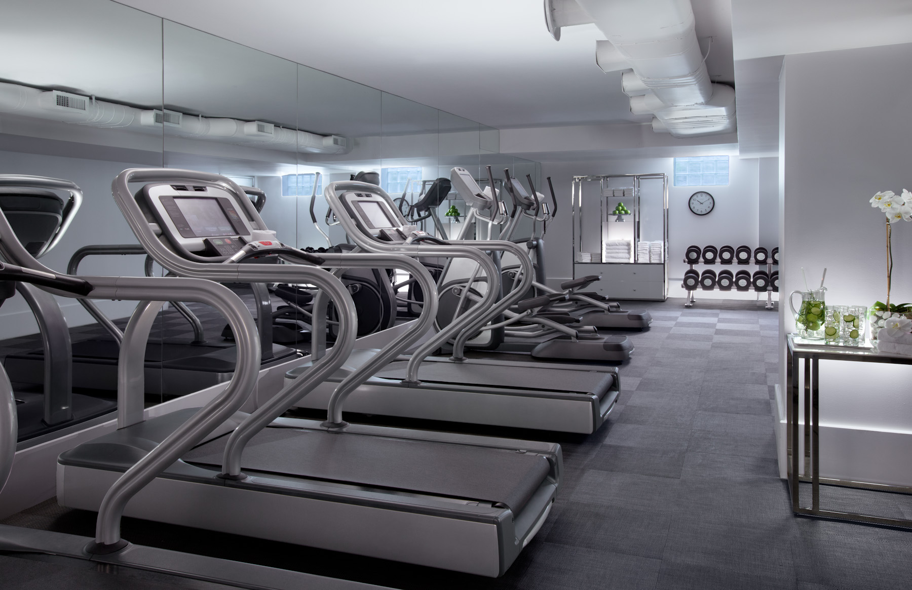 https://www.hotelsbyday.com/_data/default-hotel_image/3/19785/fitness-centers-lo-res.jpg