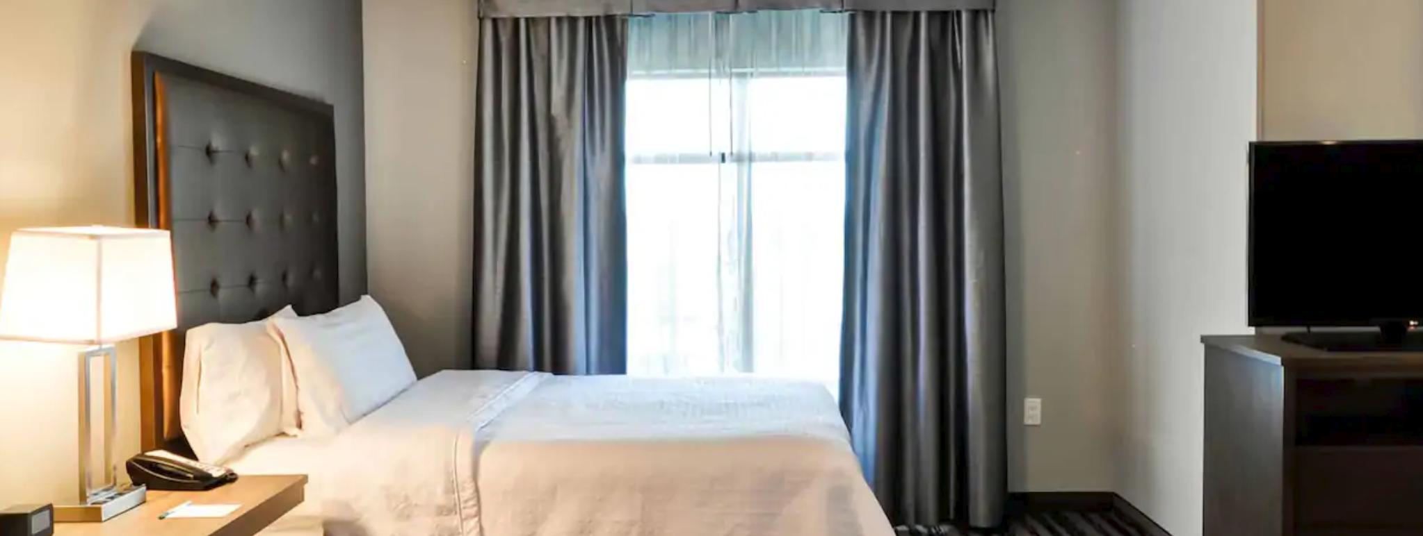 https://www.hotelsbyday.com/_data/default-hotel_image/3/19969/screenshot-2020-08-01-at-7-37-54-am.png