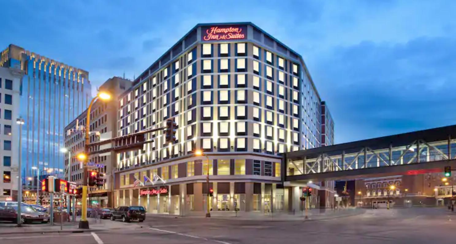 https://www.hotelsbyday.com/_data/default-hotel_image/4/20038/screenshot-2020-08-04-at-9-56-57-pm.png