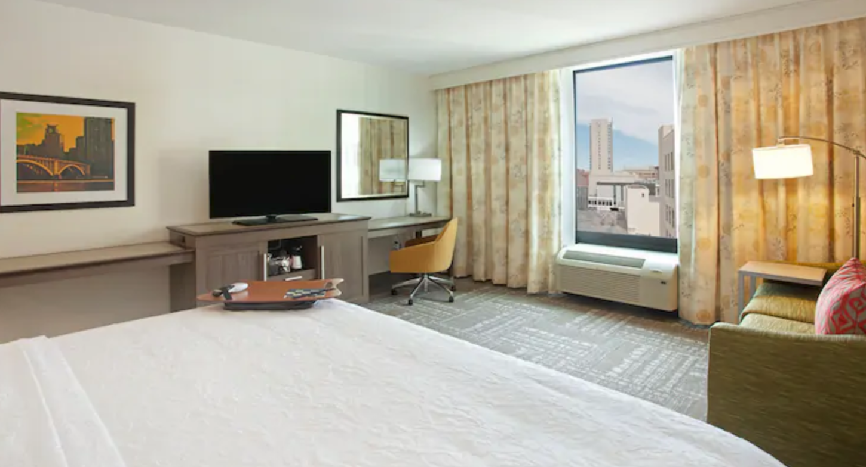 https://www.hotelsbyday.com/_data/default-hotel_image/4/20039/screenshot-2020-08-04-at-9-57-17-pm.png
