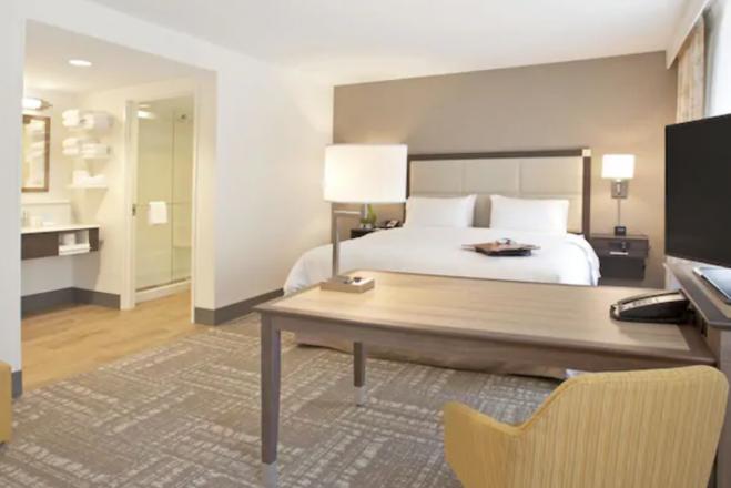 Hampton Inn & Suites Minneapolis Downtown