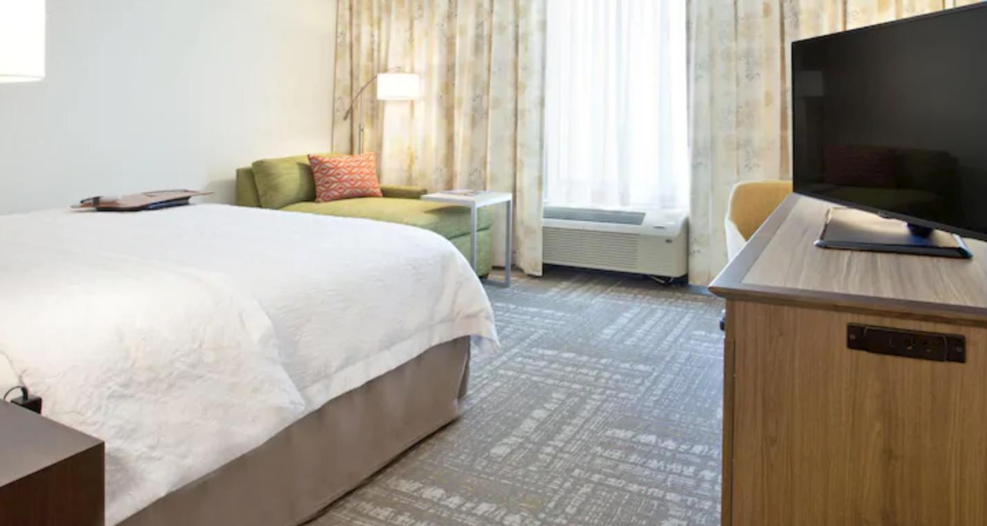 https://www.hotelsbyday.com/_data/default-hotel_image/4/20041/screenshot-2020-08-04-at-9-57-26-pm.png