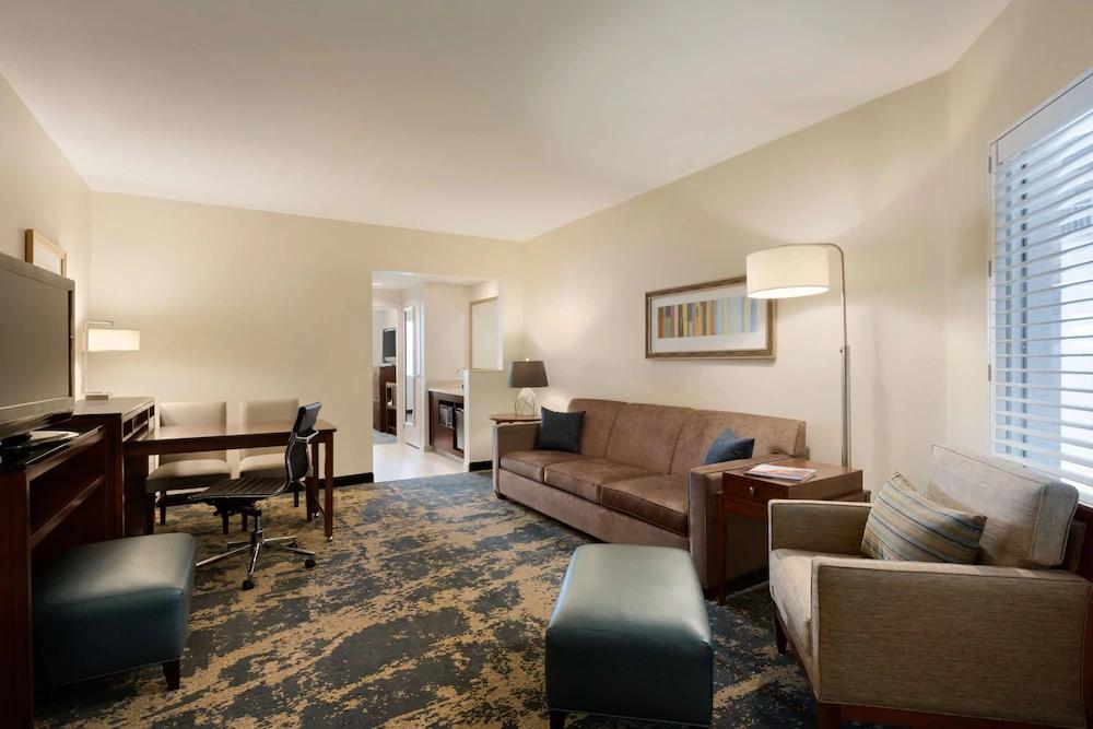 https://www.hotelsbyday.com/_data/default-hotel_image/4/20187/esdd-suite.png