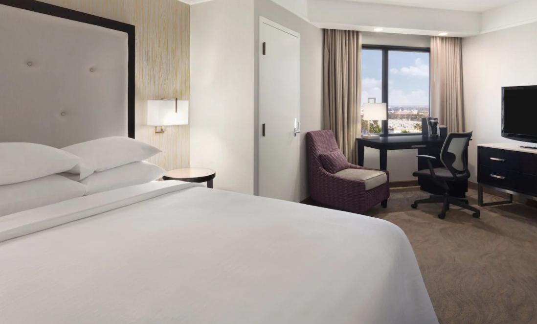 https://www.hotelsbyday.com/_data/default-hotel_image/4/20193/screenshot-2020-08-08-at-10-28-41-pm.png