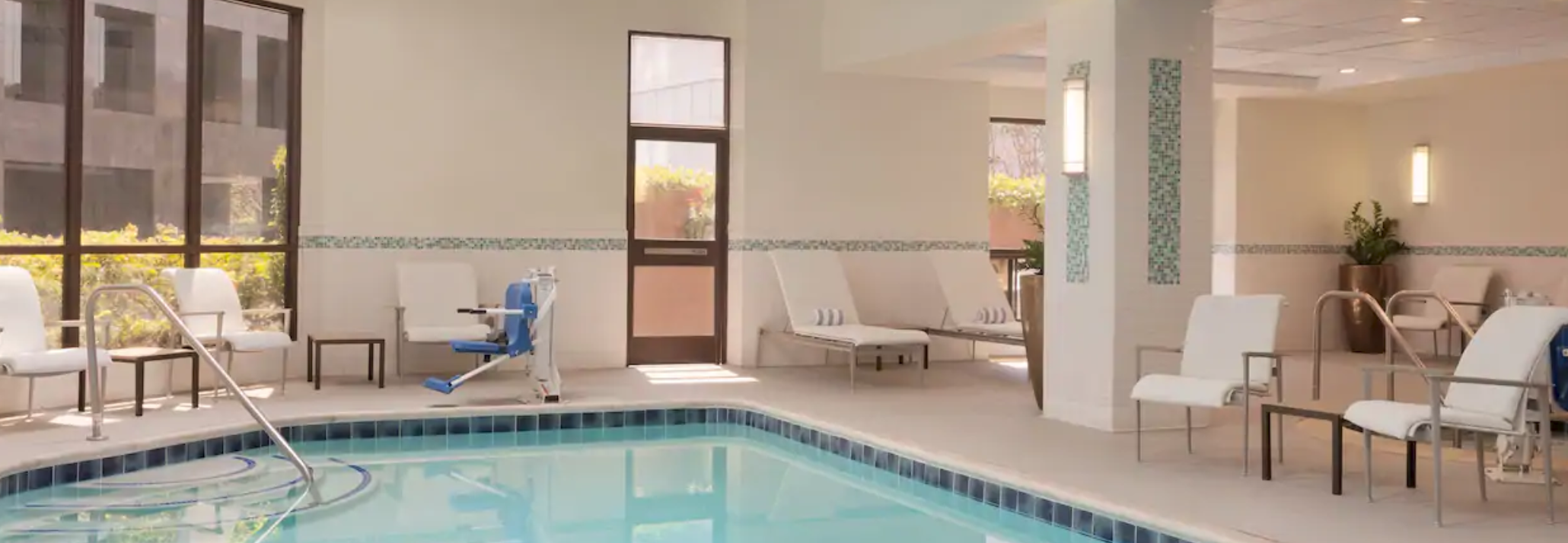 https://www.hotelsbyday.com/_data/default-hotel_image/4/20197/screenshot-2020-08-08-at-10-27-31-pm.png