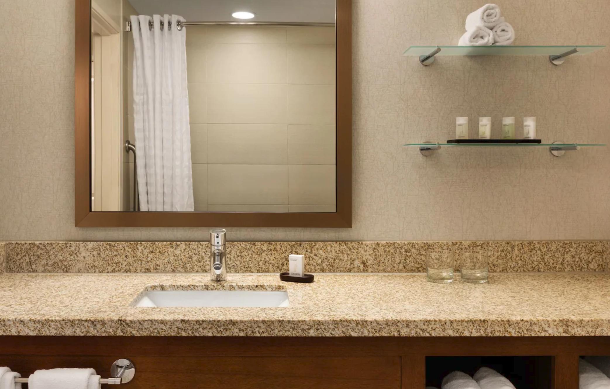 https://www.hotelsbyday.com/_data/default-hotel_image/4/20210/screenshot-2020-08-08-at-10-52-19-pm.png