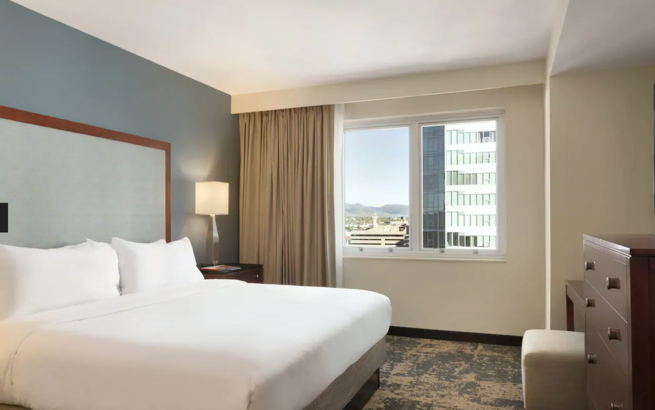 https://www.hotelsbyday.com/_data/default-hotel_image/4/20213/screenshot-2020-08-08-at-10-51-30-pm.png