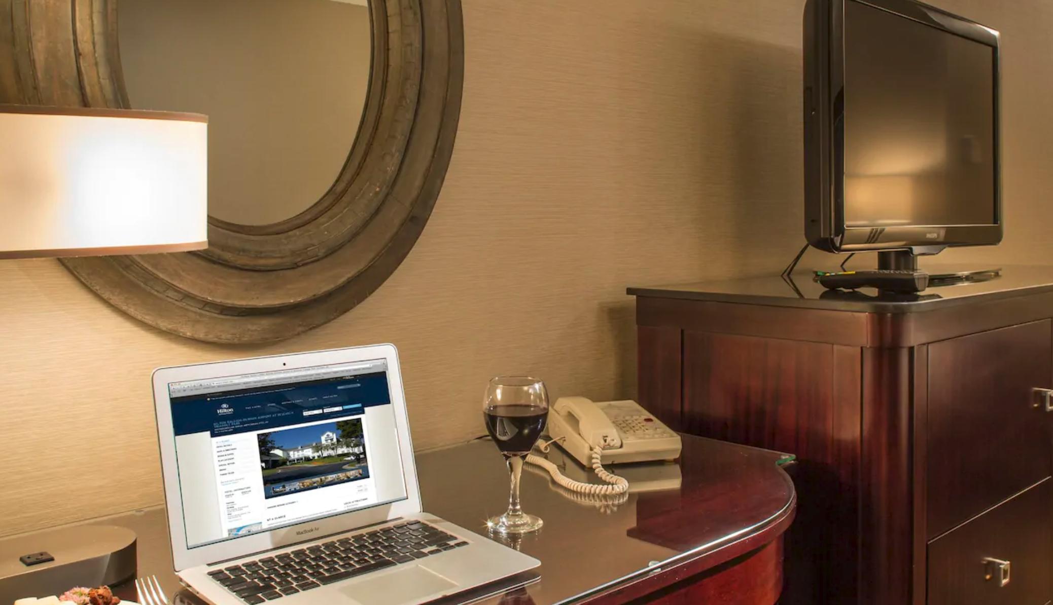 https://www.hotelsbyday.com/_data/default-hotel_image/4/20410/screenshot-2020-08-13-at-9-56-39-am.png