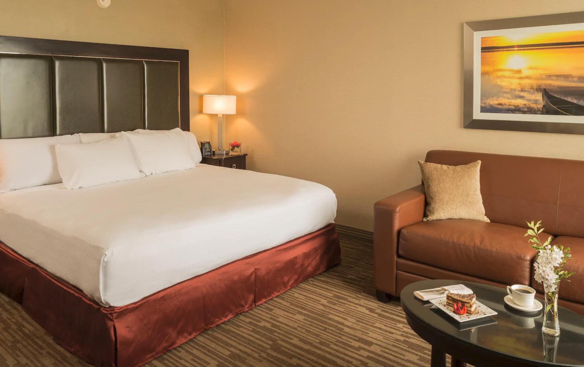 https://www.hotelsbyday.com/_data/default-hotel_image/4/20413/screenshot-2020-08-13-at-9-57-50-am.png
