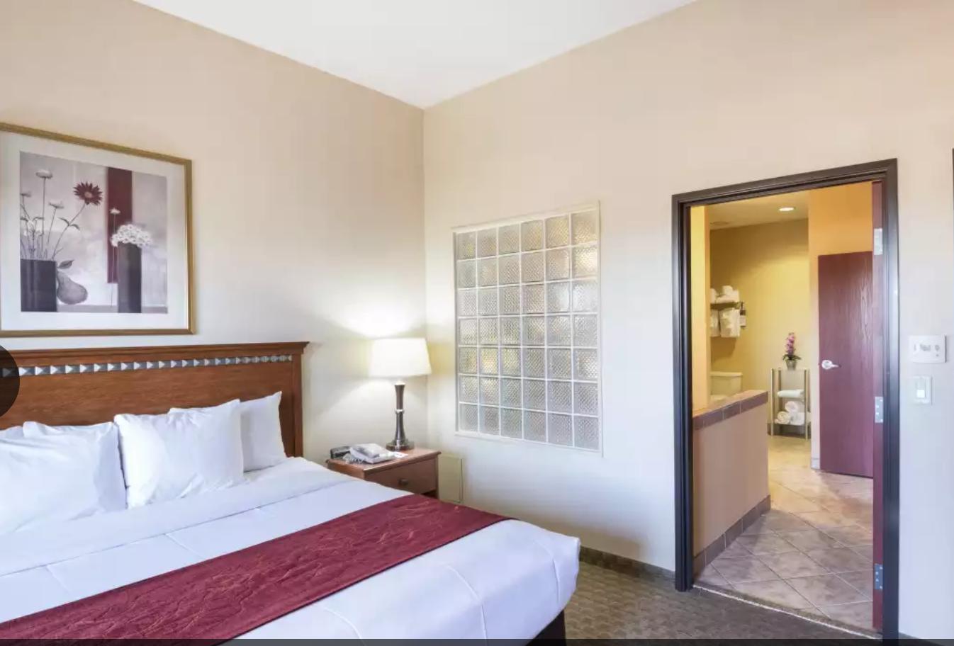 https://www.hotelsbyday.com/_data/default-hotel_image/4/20460/screenshot-2020-08-13-at-12-30-19-pm.png