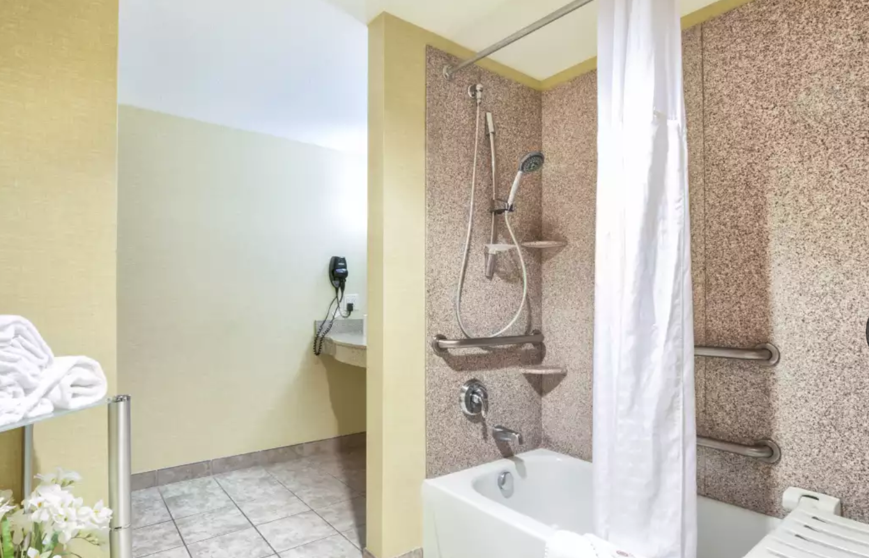 https://www.hotelsbyday.com/_data/default-hotel_image/4/20462/screenshot-2020-08-13-at-12-31-13-pm.png