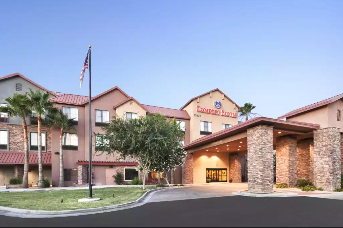 https://www.hotelsbyday.com/_data/default-hotel_image/4/20468/screenshot-2020-08-13-at-12-29-58-pm.png