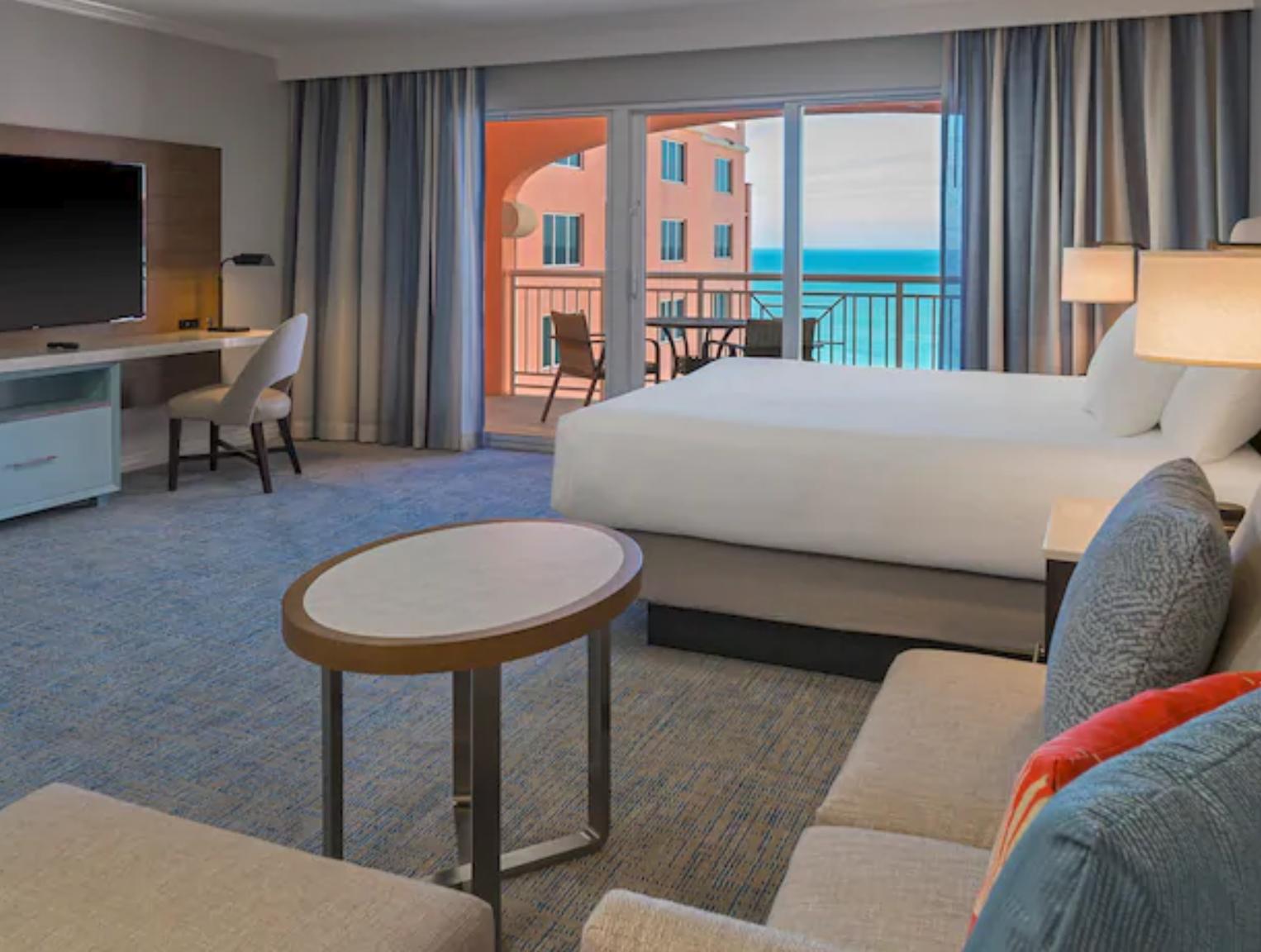 https://www.hotelsbyday.com/_data/default-hotel_image/4/20476/screenshot-2020-08-13-at-12-49-23-pm.png
