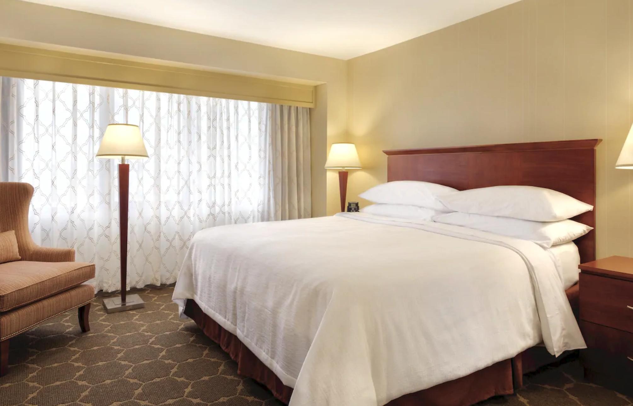 https://www.hotelsbyday.com/_data/default-hotel_image/4/20493/screenshot-2020-08-13-at-1-27-34-pm.png