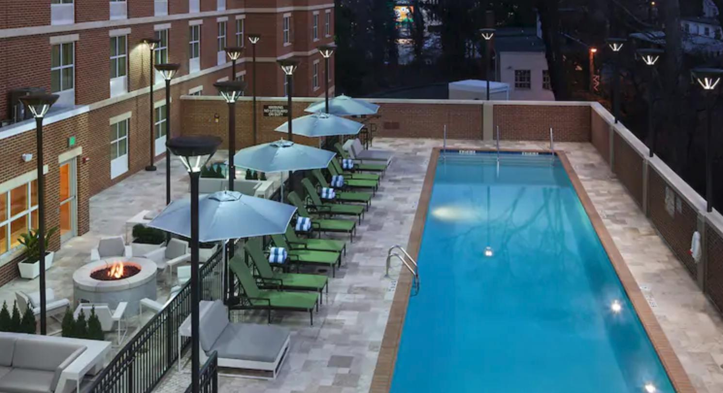 https://www.hotelsbyday.com/_data/default-hotel_image/4/20514/screenshot-2020-08-13-at-2-19-45-pm.png