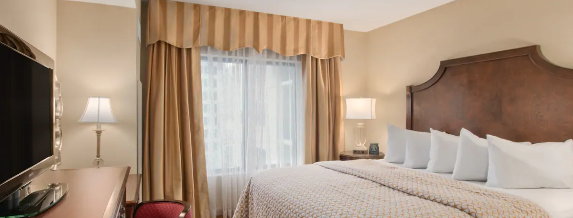 https://www.hotelsbyday.com/_data/default-hotel_image/4/20553/screenshot-2020-08-14-at-12-37-39-pm.png