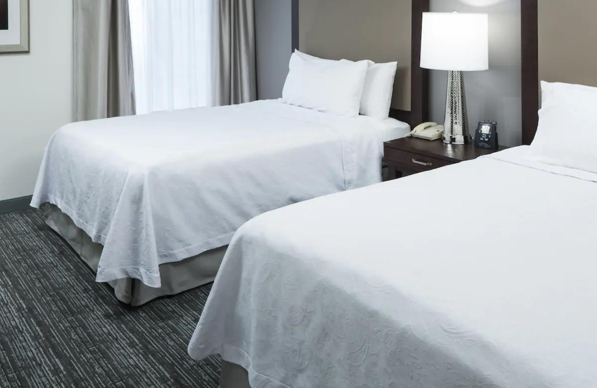 https://www.hotelsbyday.com/_data/default-hotel_image/4/20657/screenshot-2020-08-16-at-10-56-00-am.png